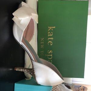 Kate Spade Sala Ivory/Satin gold glitter heel